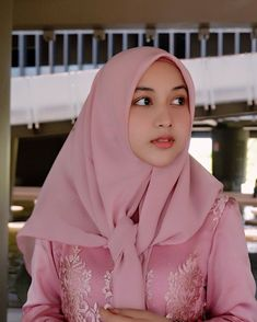 Beautiful Hijab Girl, Beautiful Muslim Women, Casual Hijab Outfit, Hijab Chic, Modern Hijab Fashion, Muslim Dress, Girl Hijab, Muslim Girls, Indian Hairstyles