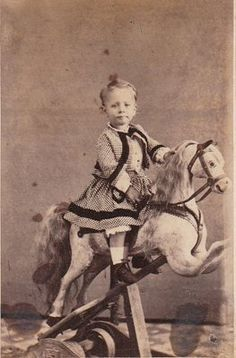 This little boy's name is Hollie Williams Des Moines IA. My daughters name is Holiie Vintage Children Photos, Vintage Pictures, Old Pictures, Vintage Images, Victorian Photos, Antique Photos, Vintage Photographs, Victorian Era, Antique Rocking Horse