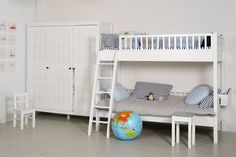 Etagenbett Reise : Besten kinderzimmer mit etagenbett und großem schrank bilder
