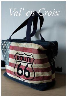 """Ma réalisation aujourd'hui est un peu particulière. En effet lors du dernier marché aux tissus de Mons, j'étais tombée en admiration sur un coupon jacquard """"Route 66"""". Pas question de le couper ou d'en perdre un moindre centimètre. C'est donc le morceau..."""