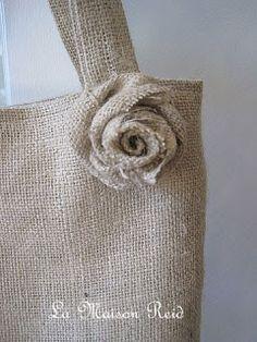 free burlap bag pattern-- La Maison Reid: Burlap Purse with Shabby Rose Burlap Projects, Burlap Crafts, Diy Crafts, Burlap Purse, Burlap Bags, Burlap Curtains, Burlap Fabric, Sewing Crafts, Sewing Projects