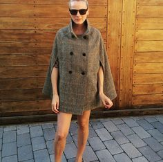 An exclusive Harris Tweed, style ladies cape. Available in 4 distinct patterns & fully lined in a high quality champagne lining. Fashion Line, High Fashion, Capes For Women, Harris Tweed, Stylish Outfits, Autumn Winter Fashion, Vintage Inspired, Shirt Dress, Champagne
