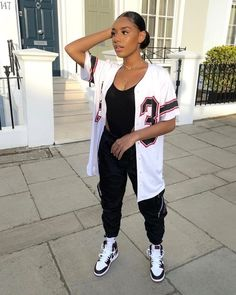 Swag Outfits For Girls, Cute Swag Outfits, Cute Comfy Outfits, Teenage Girl Outfits, Teen Fashion Outfits, Dope Outfits, Retro Outfits, Trendy Outfits, Chill Outfits