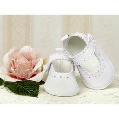 Kompletując #ubranko do #chrztu nie zapomnij o bucikach! Te słodkie balerinki z wyciętymi serduszkami na pewno sprawdzą się doskonale!