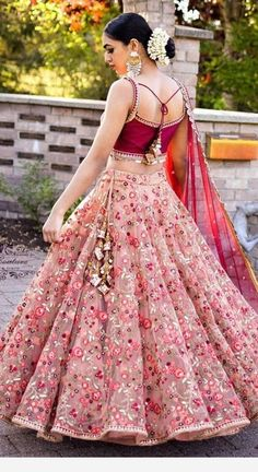 Indian girl with a glamour dress - Designer Dresses Couture Indian Gowns Dresses, Indian Fashion Dresses, Indian Designer Outfits, Bridal Dresses, Designer Dresses, Party Wear Indian Dresses, Pakistani Clothing, Indian Clothes, Fall Dresses