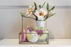 Projetado por Greisse Panazzolo, este quarto traz saídas inteligentes e diversos acessórios decorativos fofos e personalizados