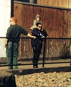 Beyoncé & Blue At Dublin Zoo 11.03.2014