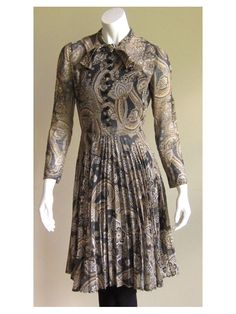 Image of Paisley Print 1960's Pleated Dress