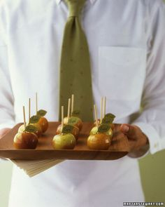 mini candied apples. my goodness, how cute are these???