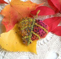 fiberluscious: Tutorial- Autumn's Inspiration Leaf Brooch