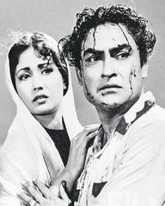 Ashok Kumar, Guess The Movie, Asian Photography, Vintage Bollywood, Hindi Movies, Real Beauty, Beautiful Actresses, Bollywood Actress, Cinema