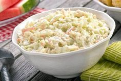 The secret to the great flavor in this best creamy coleslaw recipe is onion. Green cabbage, chopped onion and carrots combine with your favorite salad dressing. This creamy coleslaw is BIG flavor and a crowd pleaser every time! Coleslaw Recipe Yogurt, Classic Coleslaw Recipe, Kfc Coleslaw, Coleslaw Salad, Homemade Coleslaw, Creamy Coleslaw, Chinese Coleslaw, Southern Coleslaw, Healthy Recipes