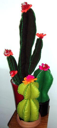 Felt Crafts, Fabric Crafts, Diy And Crafts, Arts And Crafts, Cactus Craft, Cactus Decor, Felt Patterns, Stuffed Toys Patterns, Cactus Fabric