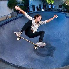 nora vasconcellosls is awesome /Asiaskate/ Stunt Woman, Skate Photos, Flash Wallpaper, Nora, Skate And Destroy, Skate Girl, Complete Skateboards, Skateboard Girl, Longboarding