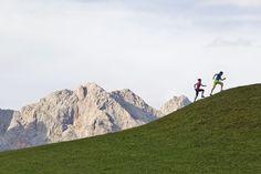 Zur Höchstform auflaufen - bei deinem Urlaub in den BEWEGTEN BERGEN schaffst du das! Sports Training, Sauna, Boutique, Bergen, Mount Everest, Spaces, Mountains, Nature, Travel
