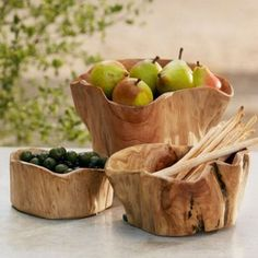There's no end to the uses you'll find for these rustic, versatile wooden bowls. Handcarved by artisans, each is crafted with care from the discarded root balls … Napa Style, Wood Display, Wood Bowls, Rustic Bowls, Teak Wood, Serving Platters, Wood Turning, Food Grade, Bowl Set