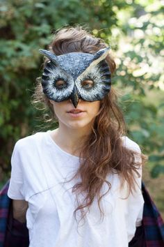 """Play """"Guess whoooo?"""" at the next costume party with a handmade owl mask. #etsyhalloween"""