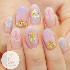 What Christmas manicure to choose for a festive mood - My Nails Beach Nail Designs, Nail Art Designs, Plage Nail Art, Trendy Nails, Cute Nails, Art Tropical, Kawaii Nail Art, Mermaid Nails, Beach Nails