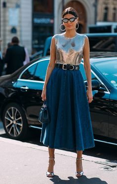 Haute Couture Fall / Winter Street Style: Giovanna Engelbert Battaglia Archives Select Month September 2019 August 2019 July 2019 June 2019 May 2019 April 2019 March 2019 February 2019 January 2019 Dece Street Looks, Look Street Style, Street Chic, Street Style Women, Look Fashion, Skirt Fashion, Fashion Outfits, Womens Fashion, Fashion Tips