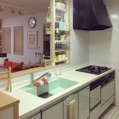 キッチンリセット/ディアウォール/北欧ナチュラル/ナチュラル/北欧…などのインテリア実例 - 2016-12-22 03:31:41 | RoomClip(ルームクリップ) Kitchen Cabinet Storage, Storage Cabinets, Kitchen Organization, Japanese Kitchen, Japanese House, Kitchen Backsplash, Kitchen Cabinets, Muji Style, Japanese Lifestyle