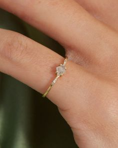 The Salt + Pepper Kite Ring – Après Jewelry Cute Promise Rings, Cute Rings, Small Rings, Pretty Rings, Promise Ring Band, Silver Promise Rings, Simple Jewelry, Jewelry Rings, Jewellery