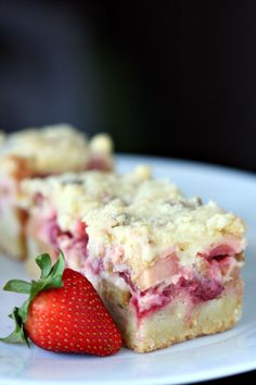 Strawberry Rhubarb Bars  |  Amandeleine