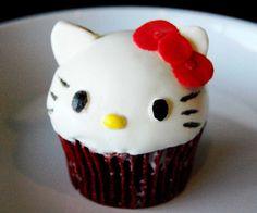 Hello Kitty Cupcake 3D