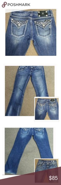 MISS ME JEANS✨ Very nice color of Jeans..a bit frayed at bottoms but I wear them this way caused by being to long. Only area just making sure it's pointed out. Perfect normal wear, very cared for. Inseam 30 Miss Me Jeans Boot Cut