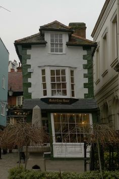 The Crooked House, Windsor and Maidenhead, England