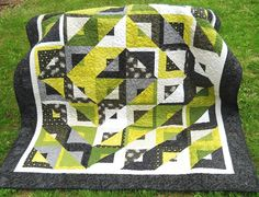 "Quilt Kit ""A Crooked Mile"" in Gray, Green and Black"
