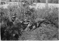 A Finnish soldier using a captured soviet SVT-38 rifle.