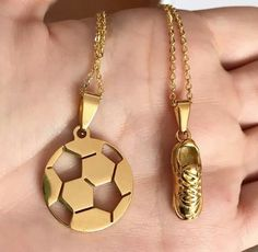 Soccer Necklace, Softball Jewelry, Football Love, Football Shoes, Cute Ripped Jeans Outfit, Football Tattoo, Soccer Accessories, Soccer Room, Soccer Pictures