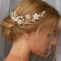 Handmade headpiece with pearls and pearly pink flowers. Flower Headpiece, Headpiece Wedding, Bridal Headpieces, Crown Hairstyles, Wedding Hairstyles, Wedding Hair Accessories, Wedding Jewelry, Tiara Ring, Romantic Wedding Hair