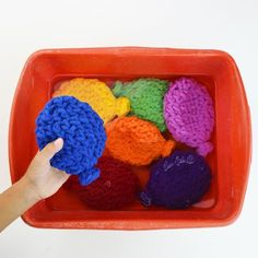 Crochet Reusable Water Balloons Summer Fun with No Mess! - Water Balloons - Ideas of Water Balloons - Have summer water battles without picking up bits of broken latex with these awesome homemade crochet reusable water balloons! Great gift or party favor! Crochet Yarn, Crochet Toys, Chrochet, Crochet Water Balloons, 12 Days Of Xmas, Water Balloon Fight, Toddler Fun, Diy Party Decorations, Summer Diy