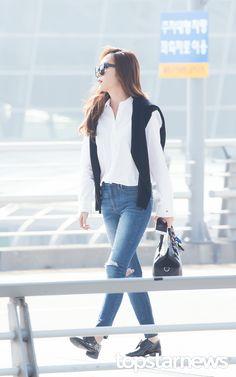 161019 Incheon International Airport Jessica News Pics Snsd Fashion, Korean Fashion, Girls Generation Jessica, Jessica Jung Fashion, Jessica & Krystal, Airport Style, Airport Fashion, Seohyun, 1 Girl