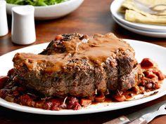 Company Pot Roast recipe from Ina Garten via Food Network Pot Roast Recipes, Meat Recipes, Cooking Recipes, Top Recipes, Dinner Recipes, Cajun Cooking, Jewish Recipes, Healthy Recipes, Gourmet