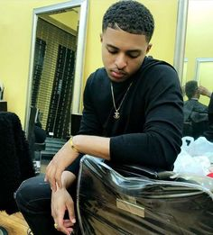 Husband since I was 8 Gorgeous Black Men, Handsome Black Men, Black Love, Beautiful Boys, Fine Boys, Fine Men, Diggy Simmons, Cute Black Boys, Star Wars