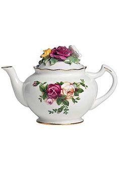 Royal Albert Old Country Roses Rose Bouquet Teapot Royal Albert, Tea Cup Saucer, Tea Cups, Café Chocolate, Crystal Stemware, Tea Pot Set, Teapots And Cups, Rose Tea, My Cup Of Tea