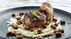 Mørbrad og blomkål er en lækker dansk fedtfattig opskrift fra Bitz' Store Kur, se flere kødretter på mad.tv2.dk
