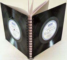 **Gästebuch für jeden Anlass!**  Dieses Gästebuch wurde aus echten  Schallplatten hergestellt, das Gästebuch entstand in sorgfältiger Handarbeit. *.  Das Gästebuch ist unverwüstlich und...