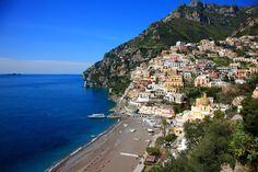 Positano, Włochy. Positano to skarb wybrzeża Amalfi we Włoszech. Miasteczko…