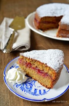 Torta di grano saraceno con confettura di mirtilli rossi
