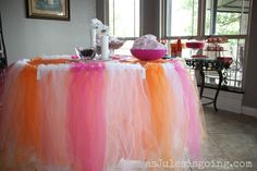 how to make aTutu table cloth-CUTE - I was thinking orange, black and purple for the Halloween party??