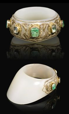India / Turkey | Archer's ring; jade with emeralds and diamonds set in gold mounts | ca. 16th century | Est, 40'000 - 60'000£ ~ (Apr '14)