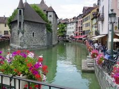 Love The Town Of Annecy - Bon Voyage! 10 Beautiful & Charming Destinations In France