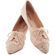 ModCloth Fairytale Market Meandering Flat ($35) ❤ liked on Polyvore featuring shoes, flats, oxfords, sapatos, cream, flat, oxford flat, floral flats, lace flats and clear shoes