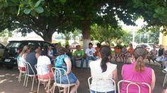 Comando de greve em Itambaracá debatendo com educadores em greve sobre a pauta de luta, em 2015.