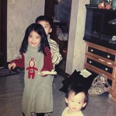 IU is an A-class celebrity and Korea's adorable little sister all rolled into one. Resurfaced photos show that she was cute even as a child! Baby Pictures, Baby Photos, Korean Celebrities, Celebs, Divas, Royal Photography, Uzzlang Girl, My Little Baby, Korean Actresses