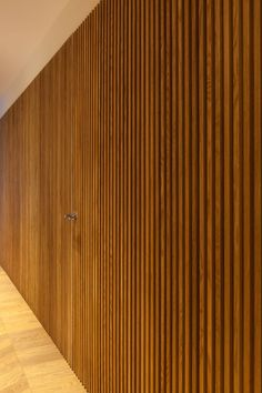 Trendy Ideas For Exterior Wall Texture Wood Slats Wood Slat Wall, Wood Slats, Wooden Walls, Wood Paneling, Panelling, Interior Architecture, Interior Design, Timber Cladding, Japanese Interior