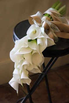 Best Ideas For Wedding Flowers White Bouquet Brides Calla Lilies Lily Bouquet Wedding, Bride Bouquets, Floral Wedding, Bridesmaid Bouquet, Lys Calla, Calla Lillies Bouquet, Hand Bouquet, Nontraditional Wedding, Bridal Flowers